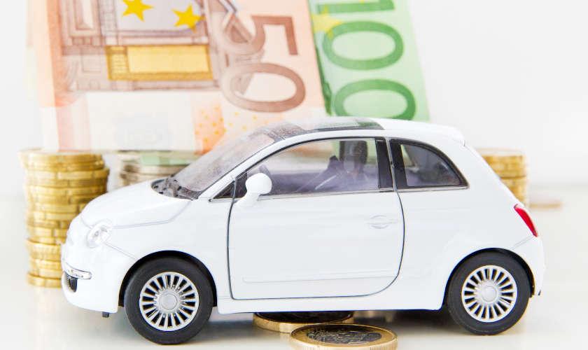 Bollo auto e multe, condonati i debiti fino al 2010